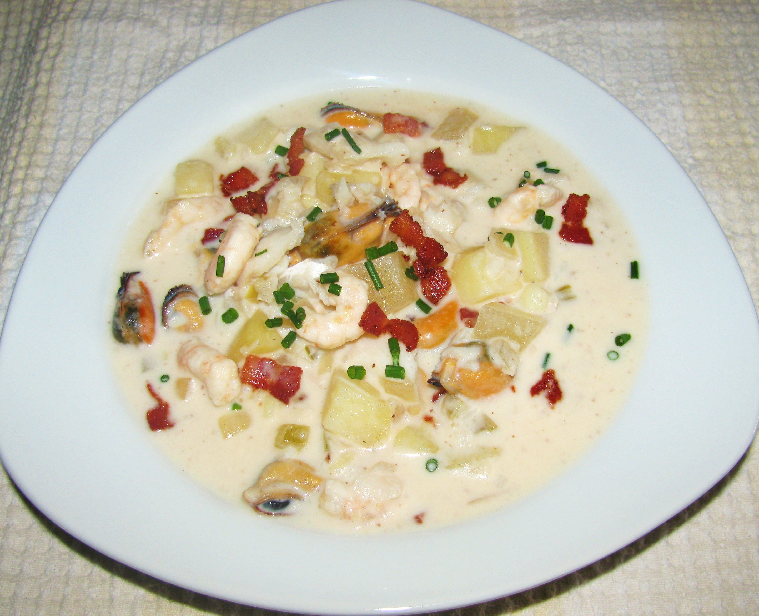 Seafood Chowder is a bit heavy dish that contains over 973 calories